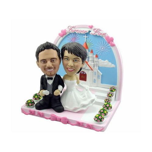 Bobblehead-arm-in-arm-wedding-in-church