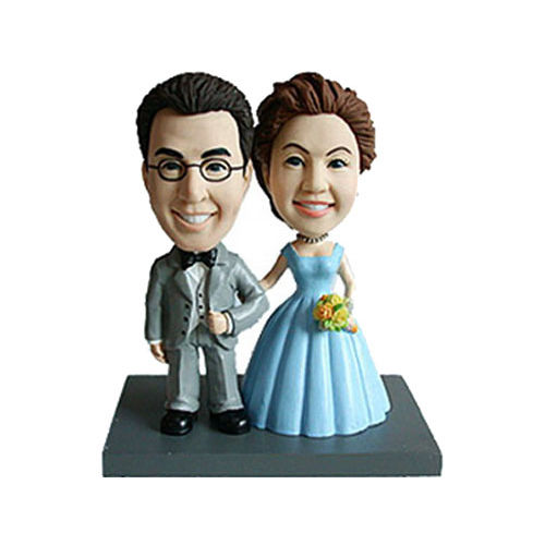Photo 1 of Traditional Bride and Groom Wedding Pose Bobblehead