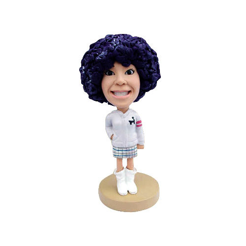 Bobblehead_woman_in_white_boots